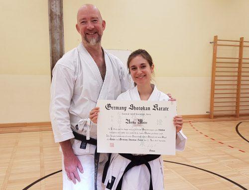 Anika Meier erhält shodan-Diplom